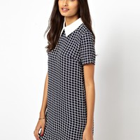 Glamorous Short Sleeve Shift Dress with Contrast Collar
