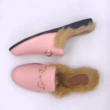shosouvenir : GUCCI : Rabbit flat casual slippers
