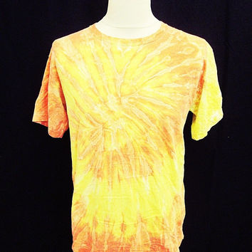Retro Tie Dye Indie Yellow Orange Music Festival T-Shirt M