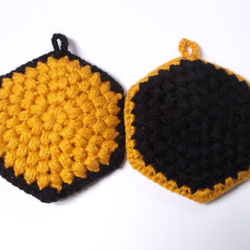Honeycomb Dish Scrubbies, Crocheted Tawashi Set, Housewarming Gift, Bee Theme, Hexagonal Scrubber, Kitchen Gift Set, Sponge Alternative