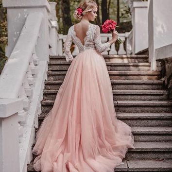 2017 Boho Lace Blushing Pink Wedding Dresses With Long Sleeve Sexy V Neck Wedding Bridal Gowns Vesti