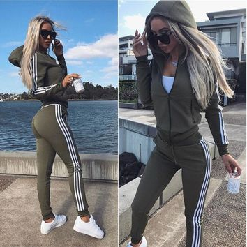 2017 Europe and the United States Women's clothing The New Movement Leis ure  Fashion Hoodies+ Pants Set