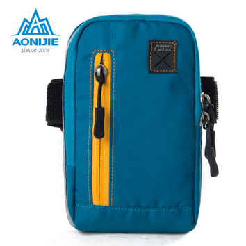 AONIJIE Outdoor Gym Running Arm Bag Adjustable Exercise Sports Cash Key Wallet Phone Case with Earbud Hole Music Player Holder