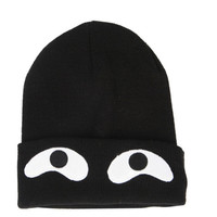B2 – BLACK – GOOGLEY EYES BEANIE