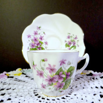 Vintage English Bone China Teacup and Saucer Set - Purple Violets with Gold Trim, Formal Dining, Bridal Tea Party, Wedding