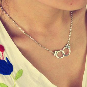 FAMSHIN New jewelry handcuffs necklace pendant necklace women / girl lover valentine's day gifts