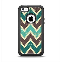 The Vintage Green & Tan Chevron Pattern V3 Apple iPhone 5c Otterbox Defender Case Skin Set