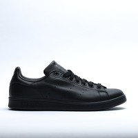 "Stan Smith ""Triple Black"""