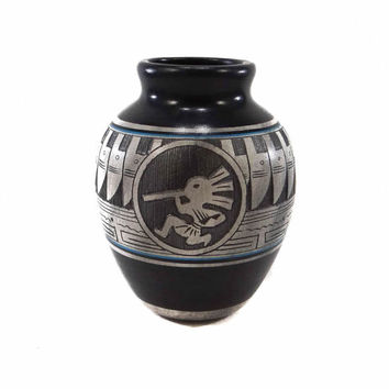 Navajo Pottery Vase by Dwayne Blackhorse. Native American. Kokopelli
