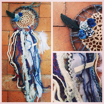 Dreamcatcher in country blues with crochet and roses, speckled feathers and a silver key