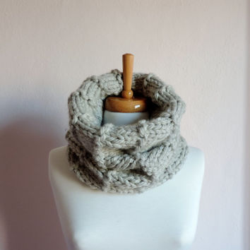 Unisex Wool Cowl ,Circle Scarf , Light Grey Cowl ,Winter Accessories , Women's Fashion Accessories
