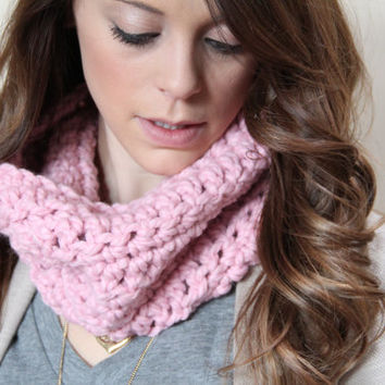 BABY BLUSH PINK Crochet Chunky Cowl Infinity Scarf Cozy - Chunky Acrylic and Lamb's Wool Gift for Daughter in Law, Niece, Sister
