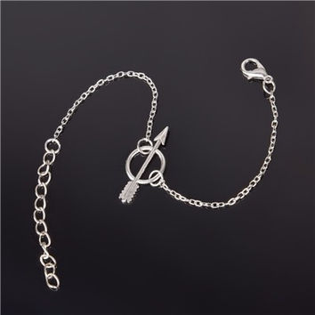 Silver Link Chain Bracelet with Arrow And Circle Symbol Pendant for Women