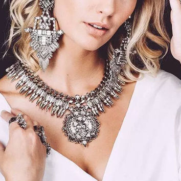 2016 New Vintage Necklace Set With Earring Crystal Exaggerated Big Brand Luxury Charm Statement Necklace & Pendant Jewelry Set