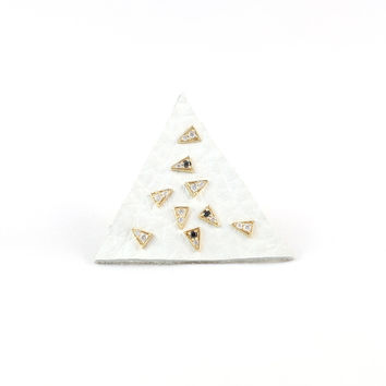 Mociun Triangle Diamond Stud