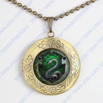 harry potter salazar slytherin snake pendant locket necklace,house of hogwarts school of witchcraft and wizardry locket vintage pendant