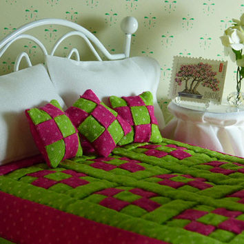 Miniature Pink & Green Hand Quilted Dollhouse Quilt with Matching Decorator Pillows, 1/12 Scale, Sheet Set with Bed Pillows,Crocheted Afghan