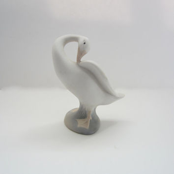 Lladro Swan Vintage Bisque Porcelain Swan Figurine Exquisite Soft Serene Colors White Gray Pink