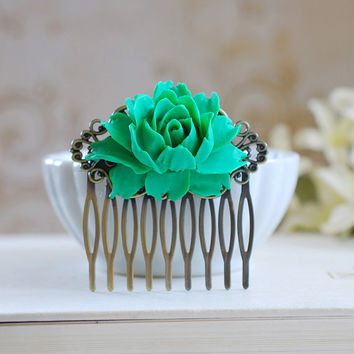 Large Emerald Green Rose Flower Hair Comb. Green Wedding Hair Accessory, Bridal Flower Comb, Bridal Headpiece, Bridesmaid Comb