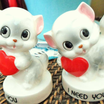 "Vintage Norcrest Set Of Kitten Or Cat Ceramic Figurines With Red Hearts ""I Love You"", ""I Need You"", Gray & White Kittens Japan"