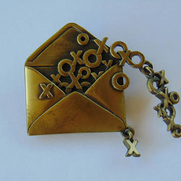 Hugs Kisses Love Letter XOXO Pin Brooch Signed JJ Jonette Jewelry