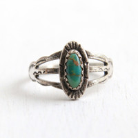 Vintage Sterling Silver Turquoise Green Stone Arrow Etched Ring- Size 5.5 Retro Hallmarked Bell Trading Co Native American Style Jewelry