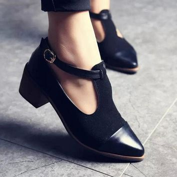 Vintage Oxford Shoes Women Pointed Toe Cut Out Med Heel Patchwork Buckle Ladies Shoes Flats WFS112
