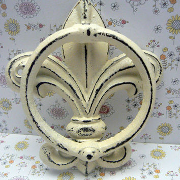 Fleur de lis Cast Iron Creamy Off White FDL Welcome Door Knocker Decor Paris Shabby Chic Cottage Distressed House Greeting Knock  Guests