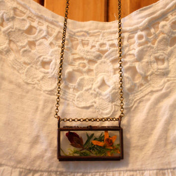 Romantic, dried flowers pendant in copper and glass