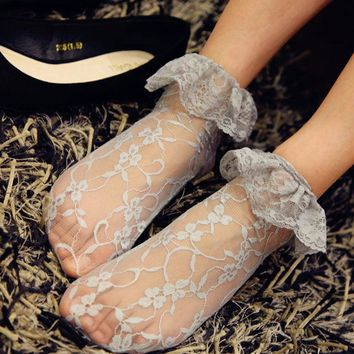 Sexy Retro Lace Women Girl Socks Sweet Lolita Princess Lace Socks Elastic Fashion Lady Soft 5Colors Lace Ruffle Ankle Socks