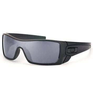 Oakley Batwolf Sunglasses Matte Black Ink Polarized Black Iridium Lens OO9101-35