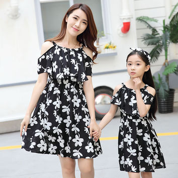 Korean style mother daughter dresses family matching clothes Short sleeve Strapless flower Daily Dress kids parent child outfits