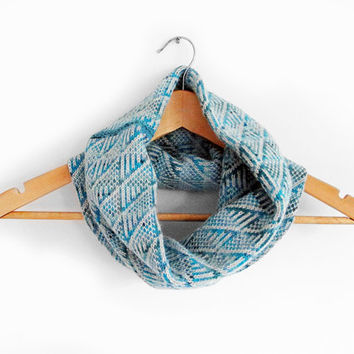 Womens scarf, knit round scarves, womens accessories