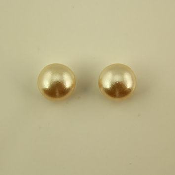 10 MM Round  Pearl Cabochon Magnetic Clip Earrings