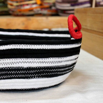 Black&White Bohochic Basket, Bread Handmade Basket, Modern Basket/Bowl, Xmas Decor Basket