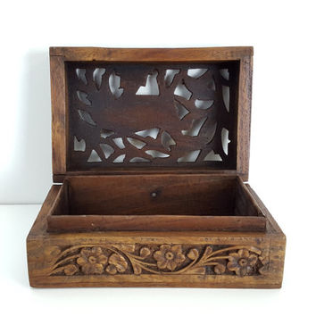 Vintage Carved Wood Box Animal Figure, Hand Carved Box from India, Vintage Indian Carving, Wooden Jewelry Box, Boho Chic Decor, Tea Storage