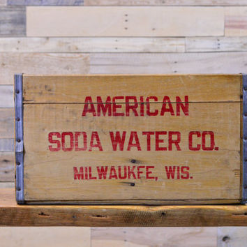 Vintage American Soda Water Wood Crate, Milwaukee Wisconsin, Removable Divider