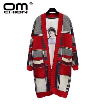 OMCHION Casaco Feminino 2018 Autumn Winter Plaid Long Cardigan Women Loose Pockets Oversized Sweater Coat Korean Jumper LS96