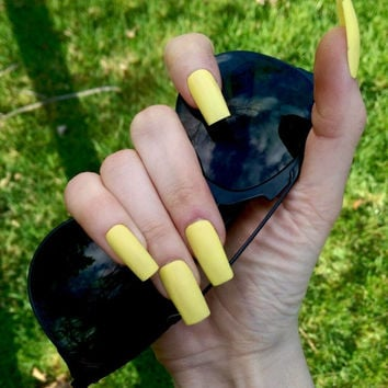 Neon yellow, yellow-green press-on nails, fake nails, false nails, faux nails, acrylic nails, hand-painted nail set