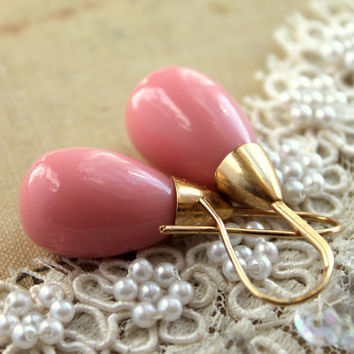 Pink and gold majorica pearls earrings bridesmaids jewelry - 14k vermeil gold spring summer jewelry