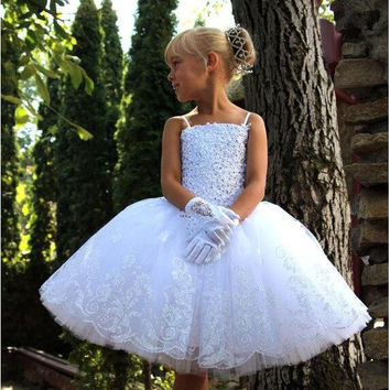 Cute White Ball Gown Flower Girl Dresses 2016 Spaghetti Straps Appliques Beaded Formal Wear Toddler Girl Ballet Short Dresses