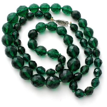 Emerald Green Glass Bead Necklace Vintage 24""
