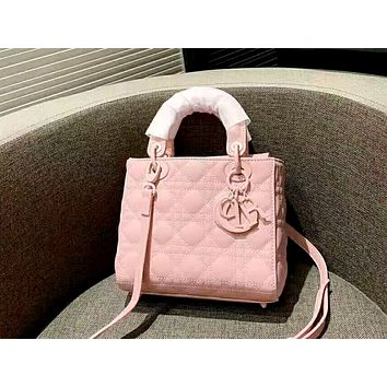 Dior 2019 new rhombic embroidery women's wearing a satchel handbag messenger bag Pink