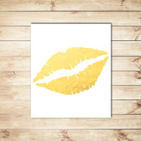 Gold and White Lip Print, Faux Gold Foil, Gold Foil, Lip Print, Typography Art, Typgoraphy, Dorm Decor, Apartment Decor, Home Decor