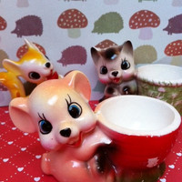 Kitsch bear figurine egg cup/trinket dish!! Cute, retro, vintage china bear!