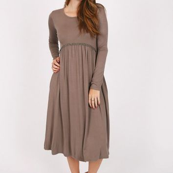 You & Me Midi Dress In Gray