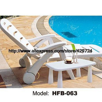 Modern White Rattan Sun Lounger Leisure Outdoor Lying Sofa Bed Lying Chair Swing Pool Chair Furniture Holiday Garden Chair Table