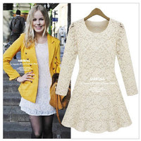 HOT: lace dress black and white