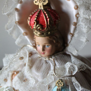 Infant of Prague Figurine cs 145 Made in Italy 1950's robbed fully dressed gown vintage collectable