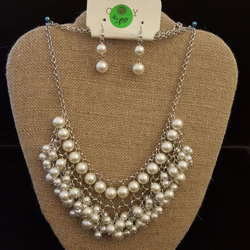 Pearl Choker Style Necklace Set